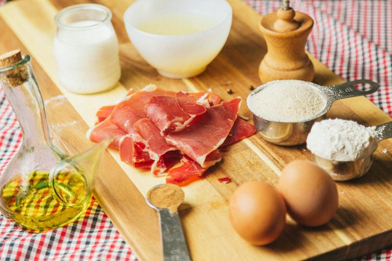 spanish-ham-croquettes-recipe-croquetas-de-jamon-3083701---1-